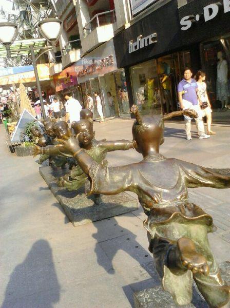 东方文化商业步行街 图片来自:@锦锦