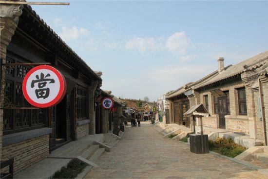 新浪旅游配图:《闯关东》影视基地街景 摄影:图片来自旅游攻略