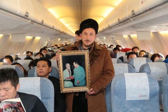 """""""骑着毛驴进北京""""的库尔班大叔的嫡孙亚森•麦麦提明"""