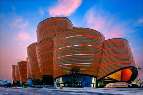 汉影院_武汉两大新地标同日揭幕 汉秀暨电影乐园盛大开业