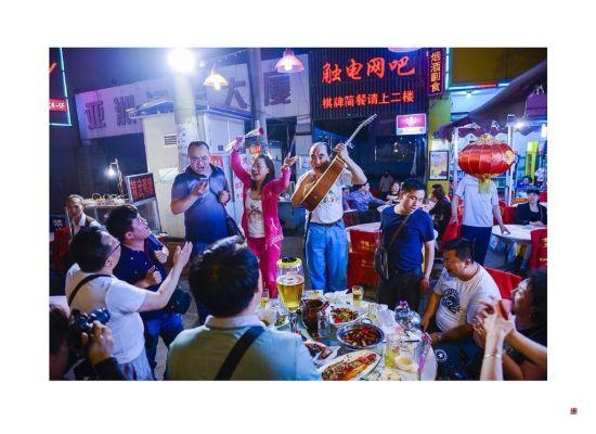 新浪旅游配图:吉庆街 图片来自@片刻笔墨摄影师张帆