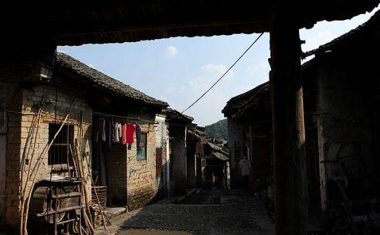 古镇内的农户家一景 图:新浪博主/桃源小舟