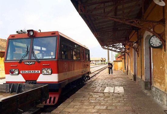 从碧色寨出发的米轨小火车