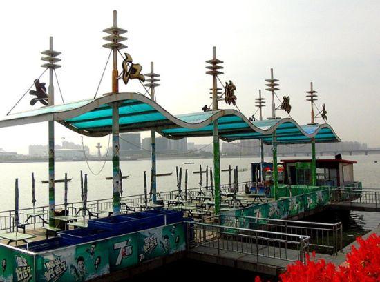 新浪旅游配图:江滨码头 摄影:游仙圣者
