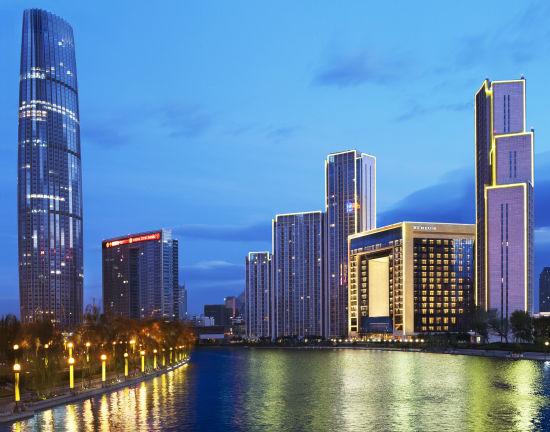 天津瑞吉金融街酒店坐落于海河畔边