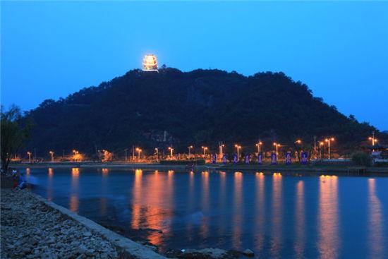 美丽的新安江景色