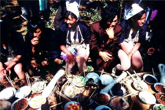 阿巴多浪漫惹火的恋爱宴会_新浪旅游_新浪网telnet-cd-twbbs-org