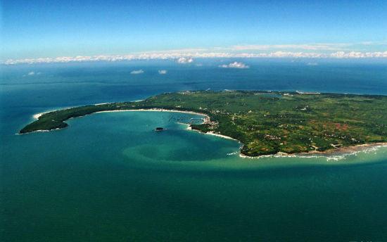 俯瞰涠洲岛 图:广西旅游发展委员会