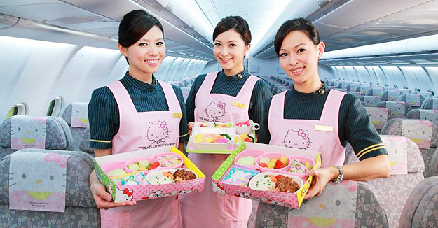 萌翻众人 探秘全球最可爱Hello Kitty主题飞机