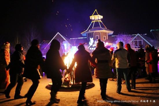 冰雪燃情平安夜,万里迢迢过圣诞