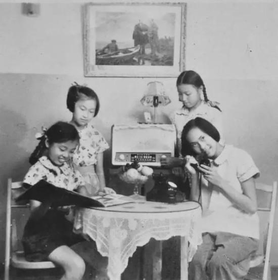2上世纪60年代中期,向往美好新生活的儿童-老苏州的童年回忆