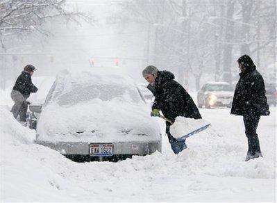 暴风雪席卷美国东部 至少24人丧生(组图)
