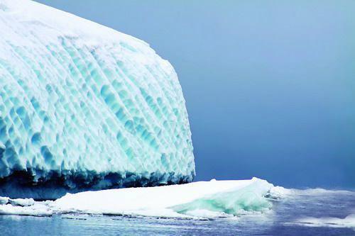 壮观的冰山
