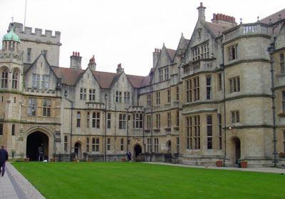 古雅的牛津大学建筑