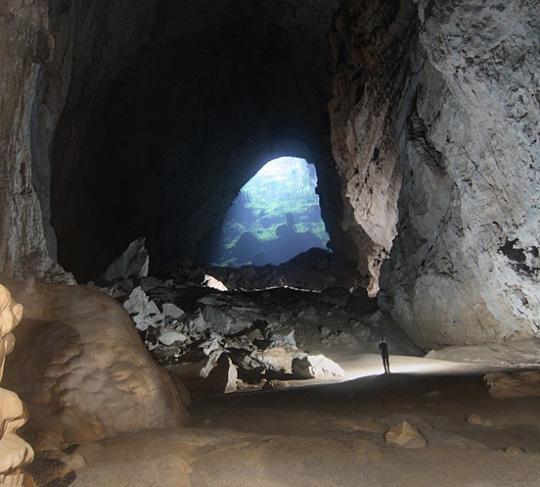 英国探险家发现世界上已知最大的洞穴