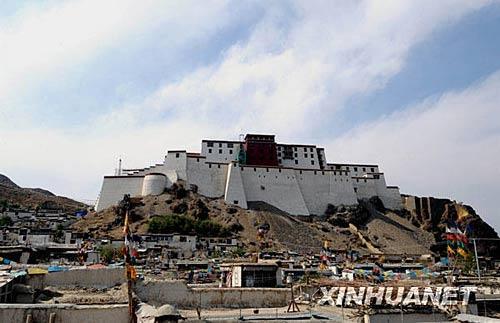 西藏日喀则桑珠孜宗堡外景