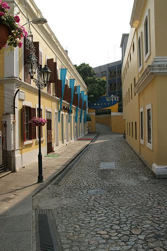 短短一条巷子很有南欧风味