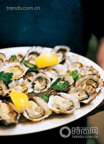 悉尼岩牡蛎:这种味道鲜美、吃起来上瘾的牡蛎,获取了大海的精华。