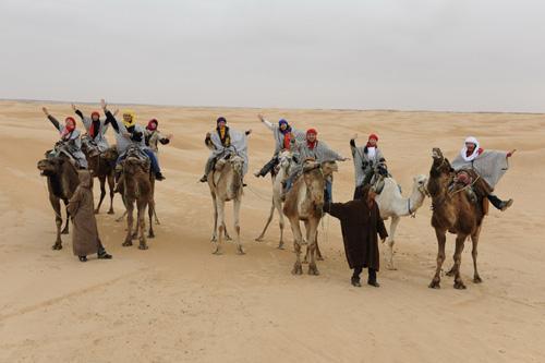 沙漠骑单峰骆驼