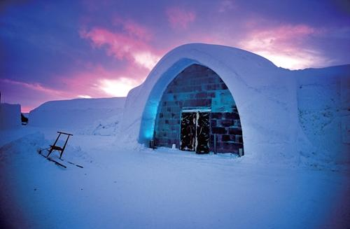 20006年版冰酒店