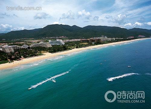 """美丽的亚龙湾是海南""""国际旅游岛""""中最靓丽的名片"""