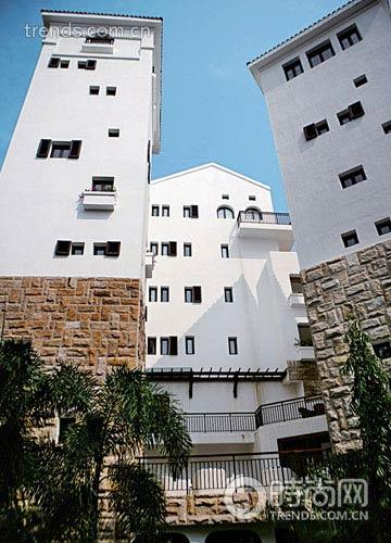 爱琴海康年酒店不对称的希腊式白房子