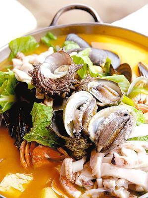 九孔螺砂锅饭
