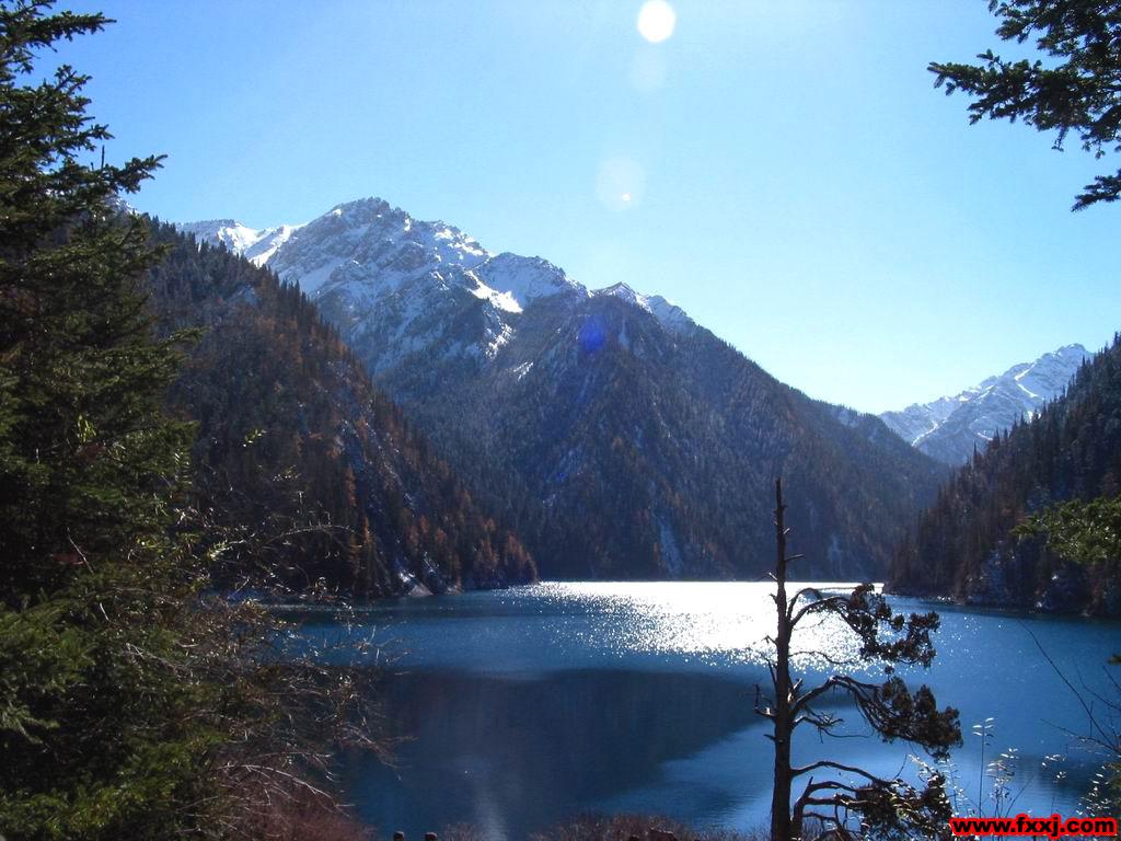 景色秀美的九寨湖光