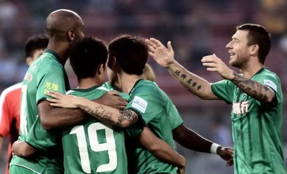 中国足协杯展开第4轮激战 国安6-0胜青岛