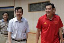 袁伟民观看中国男排比赛