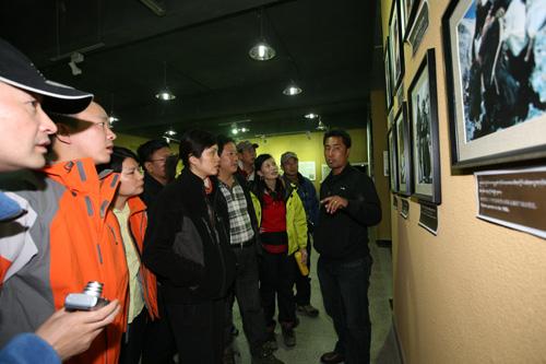 参观珠峰博物馆
