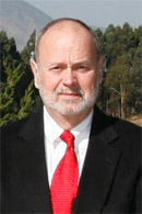 Charles H. Peacock博士