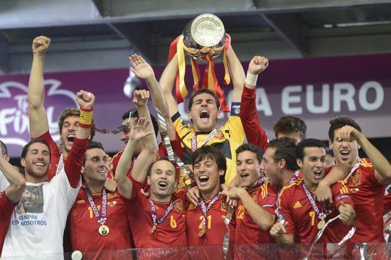 西班牙4-0大胜意大利卫冕欧洲杯