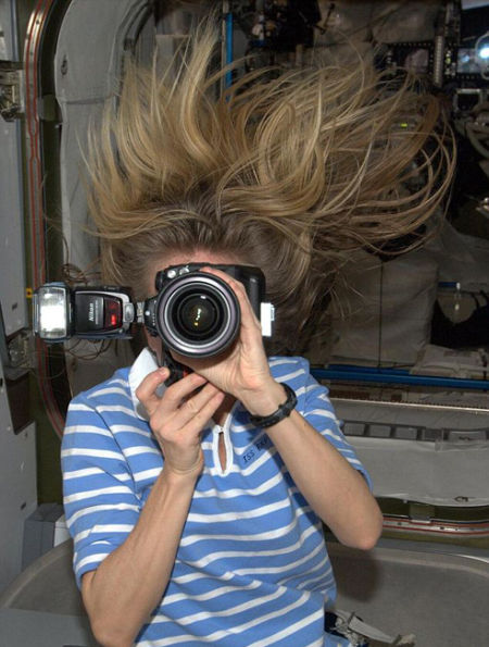美国人自拍性交视频_自此,美国宇航局发挥了社会媒体的作用,向世人揭示了振奋人心的宇宙图