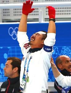 韩国夺冠教练疯狂庆祝