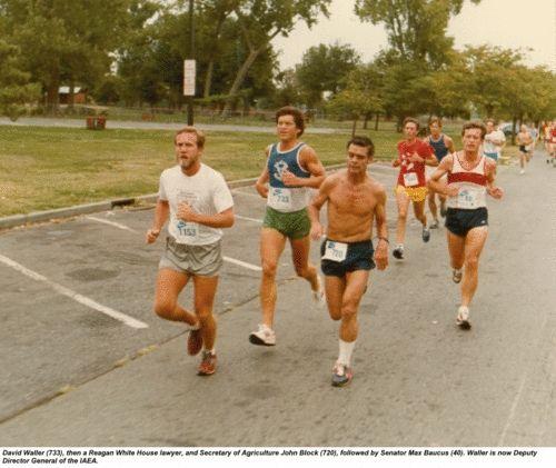 这是另一届国会挑战赛。跑在最前面的733号是里根总统的白宫律师,他右边720号是农业部长约翰・布拉克,最右的40号就是鲍可斯。