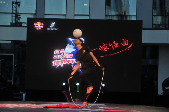 中国花足选手表现赢得尊重 F3主席:明年进TOP16
