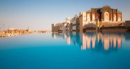 排名第二的是玉山度假酒店(jade mountain)的泳池,圣卢西亚岛上的