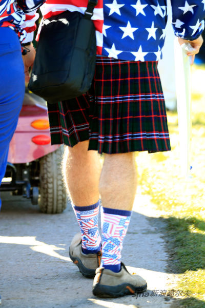 苏格兰裙,但是袜子却是美国的