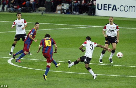 梅西再次在欧冠决赛中攻破曼联球门