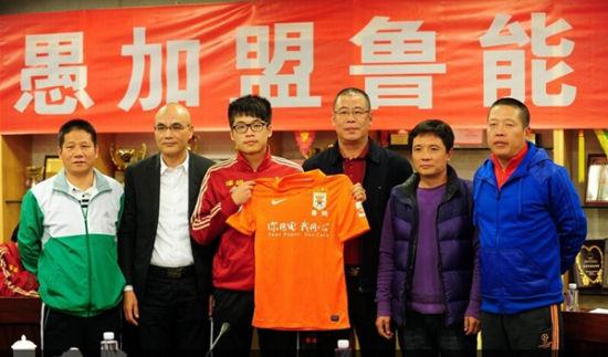 中国足球需要更多段刘愚