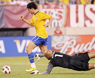 热身赛巴西2-0美国 帕托首发破门