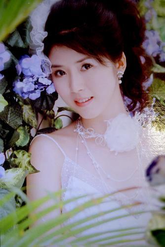 图文-徐亮拍摄浪漫结婚照片新娘邓亦敏美若天仙