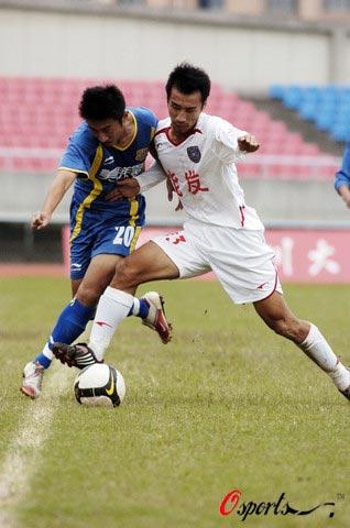 图文-[中甲]四川队1-1南京有有一挤两得经验老道