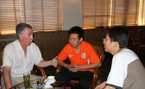 新浪体育对话鲁能足校葡萄牙籍教练