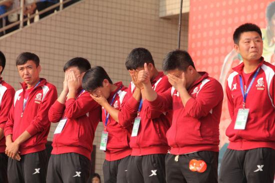 大足赛球员退役仪式球员哭了
