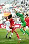 图文-[四国赛]中国VS美国 韩端头球被对方门将没收