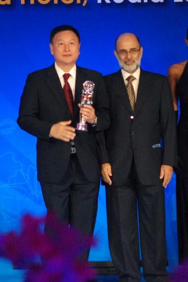 图文-2009亚足联颁奖晚会举行韩国主帅过最佳教练奖