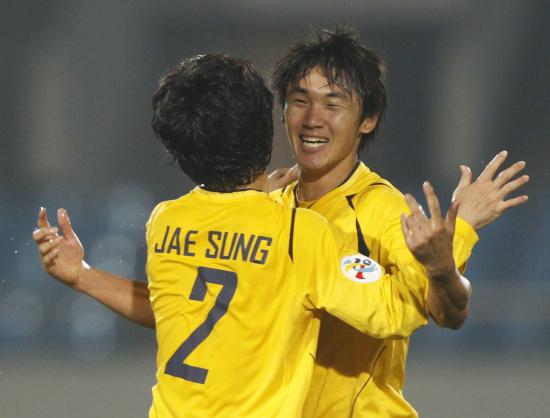 图文-城南一和挺进亚冠决赛韩国人庆祝进决赛