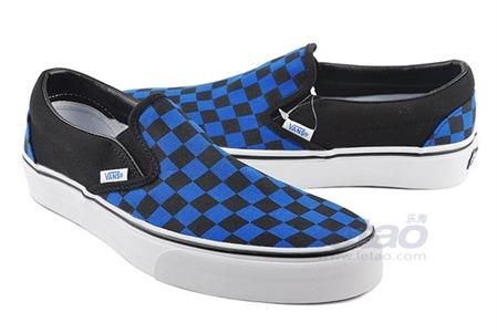 深蓝色休闲鞋搭配;
